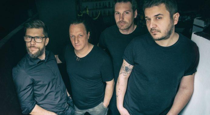 Asculta live Melting Dice - La Mijloc, single nou