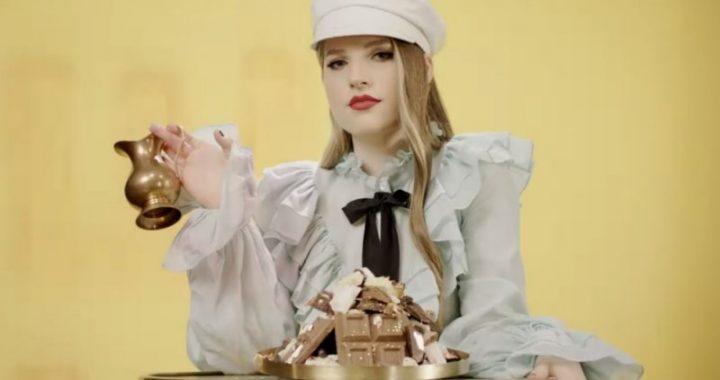Asculta online, Ana Munteanu - Chocolat, single nou,