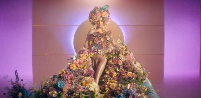 Asculta live, Katy Perry - Never Worn White, single nou