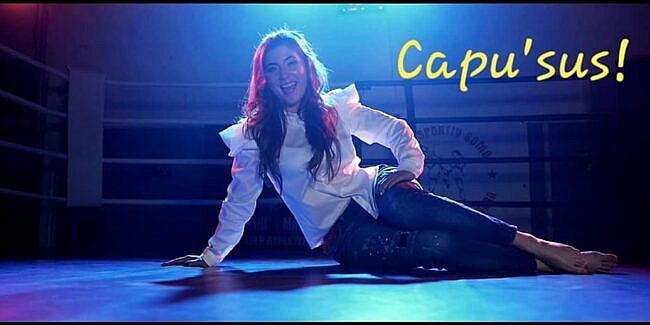 Asculta online, Silvia Stoiana - Capu' sus!, single nou