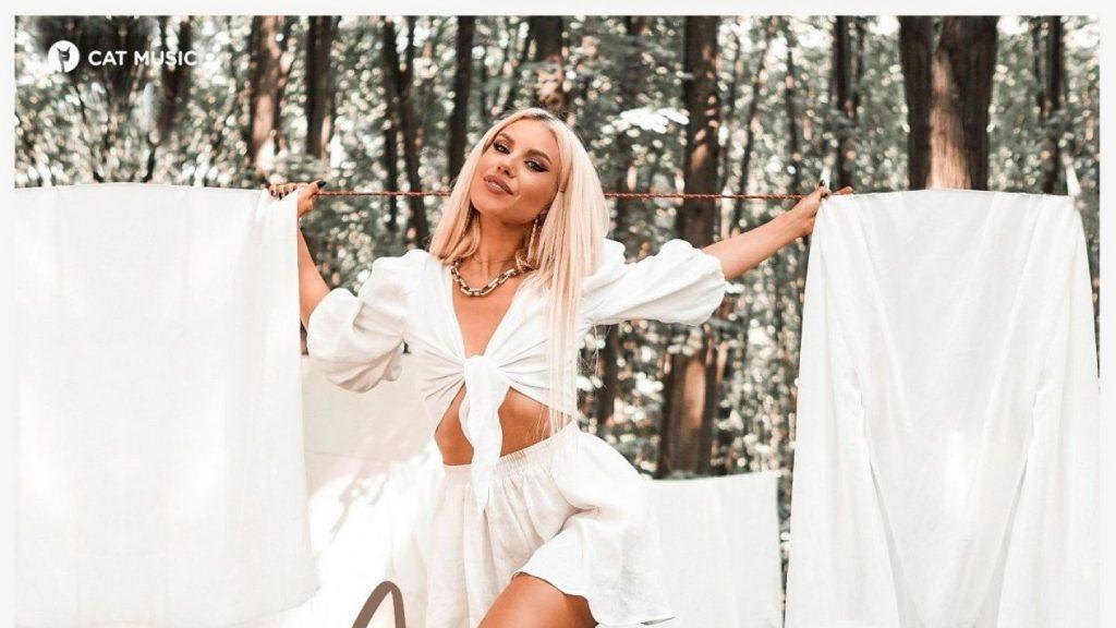 Asculta online, AMNA - Bine cu mine, single nou