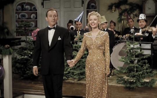 White Christmas - interpretat de Bing Crosby si Marjorie Reynolds